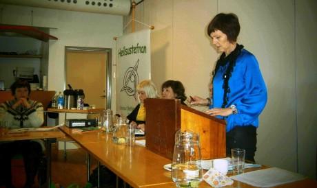 Anna Árnadóttir, gjaldkeri, gerir grein fyrir ársreikningum